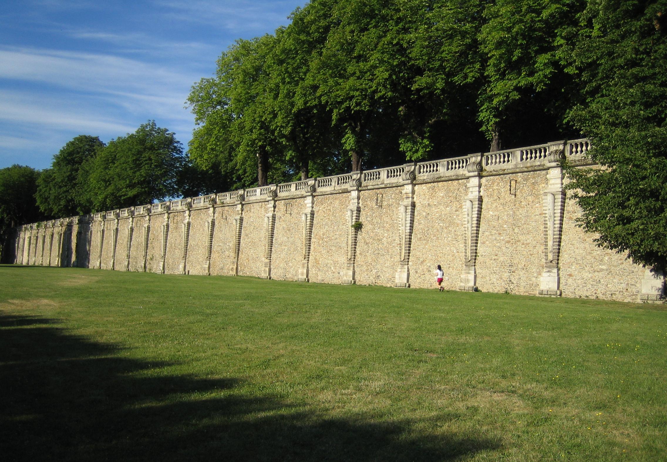 Fichier:Mur De La Terrasse Haute Dit De Beauvais Chateau De Meudon