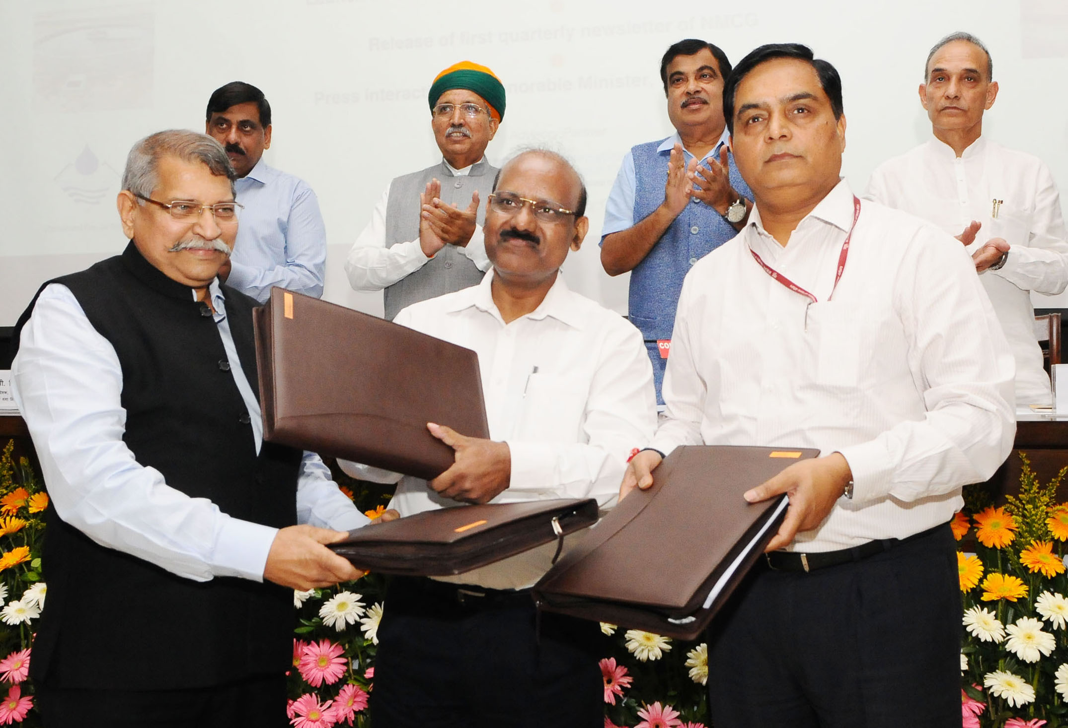 Filenitin Gadkari Witnessing The Signing Ceremony Of The Concession