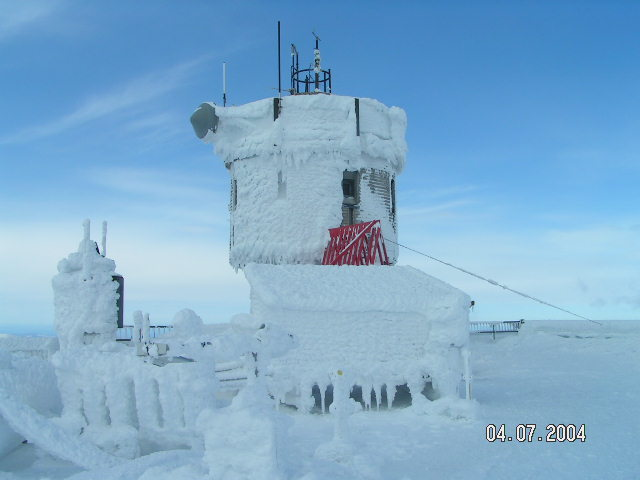 File:Observatory tower in rime with blue sky.JPG