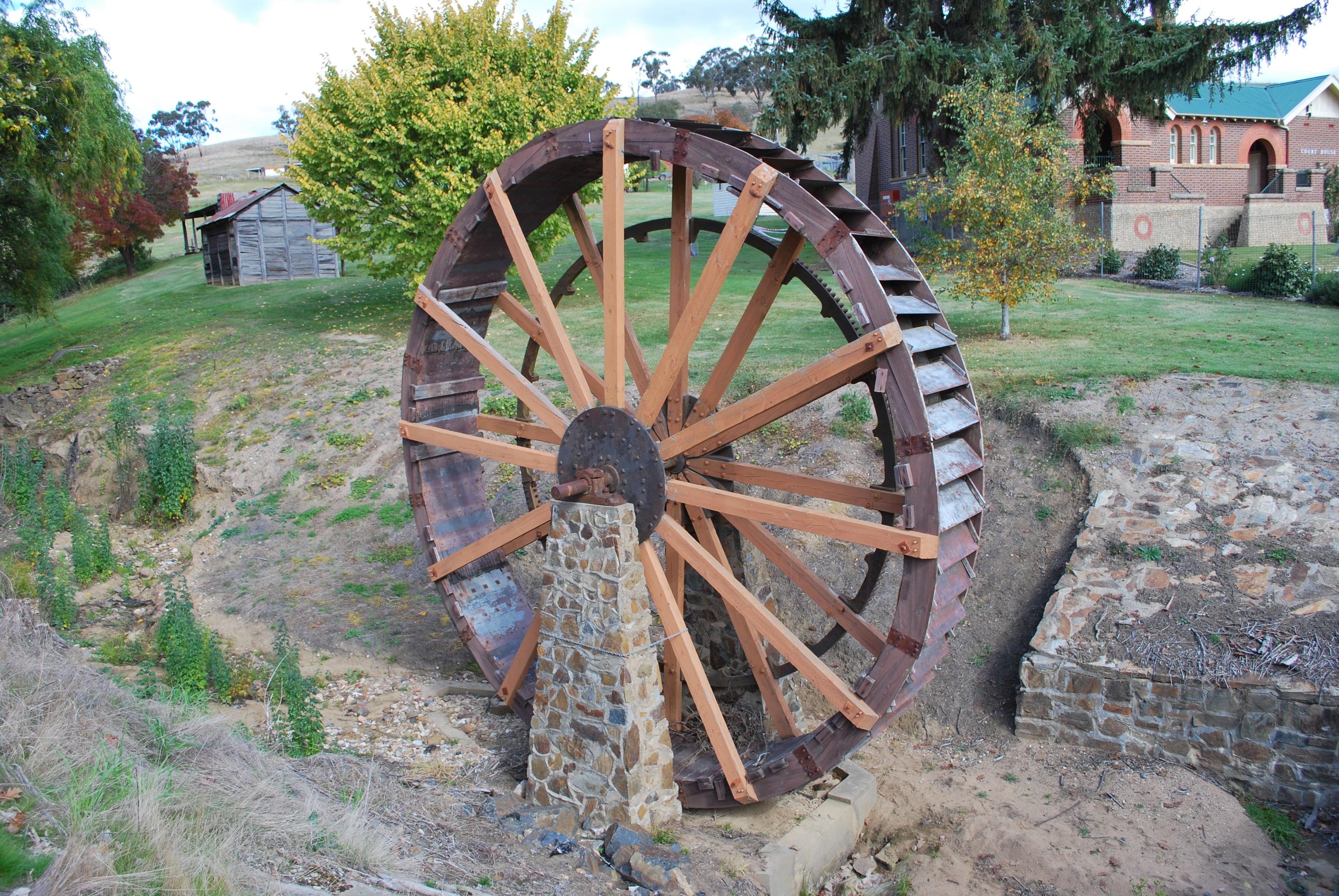 file omeo water wheel jpg wikimedia commons