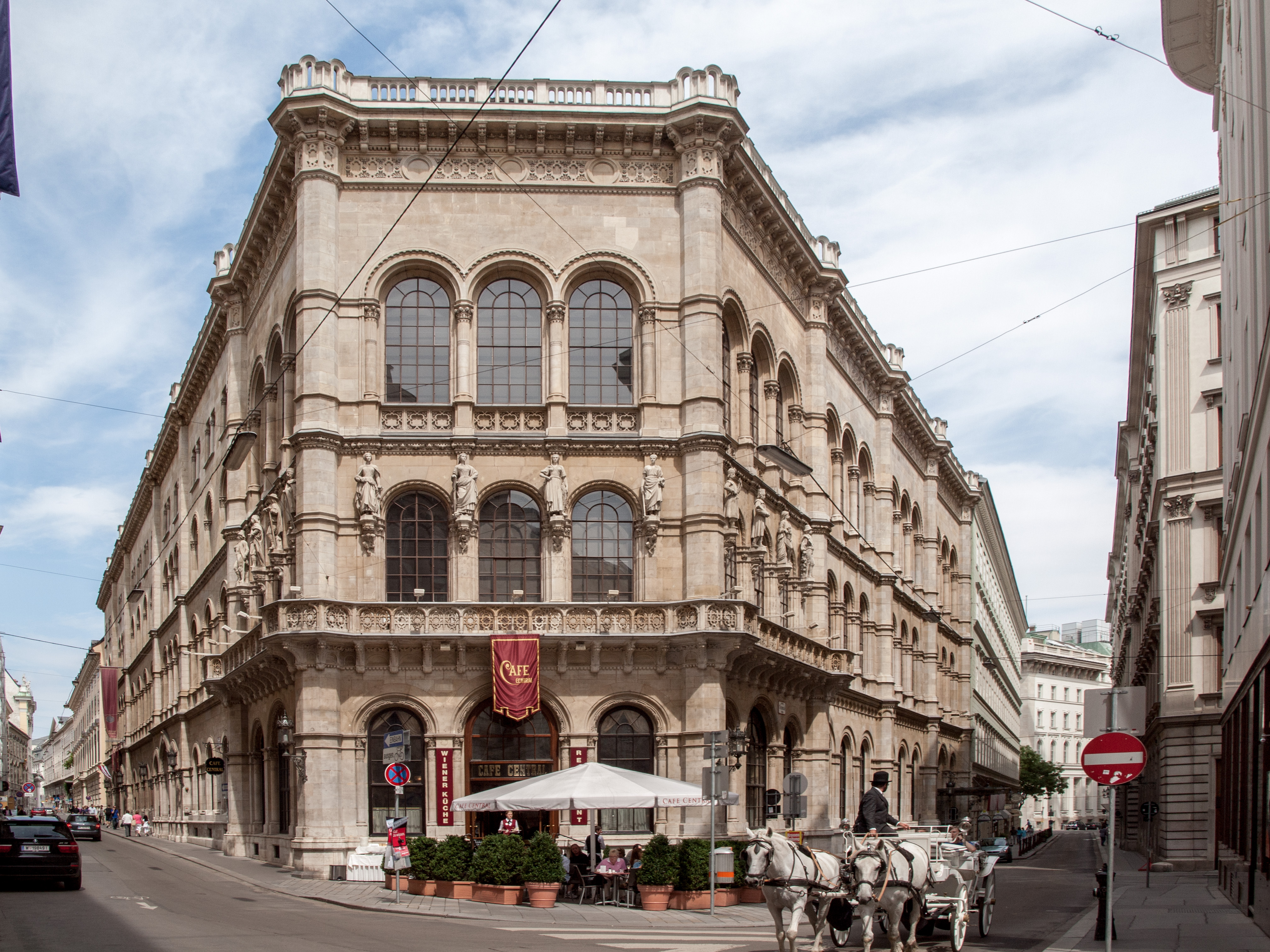 Palais Ferstel Cafe Central.jpg