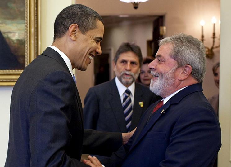 http://upload.wikimedia.org/wikipedia/commons/c/c5/President_Barack_Obama_meets_with_President_Luiz_In%C3%A1cio_Lula_da_Silvia_crop.jpg