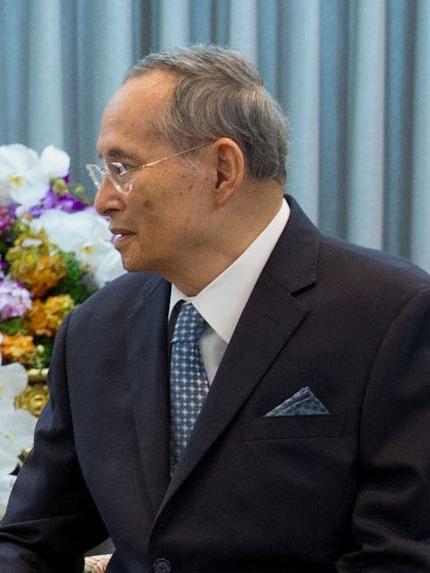 File:Rama IX of Thailand and Barack Obama, 2012 cropped.jpg