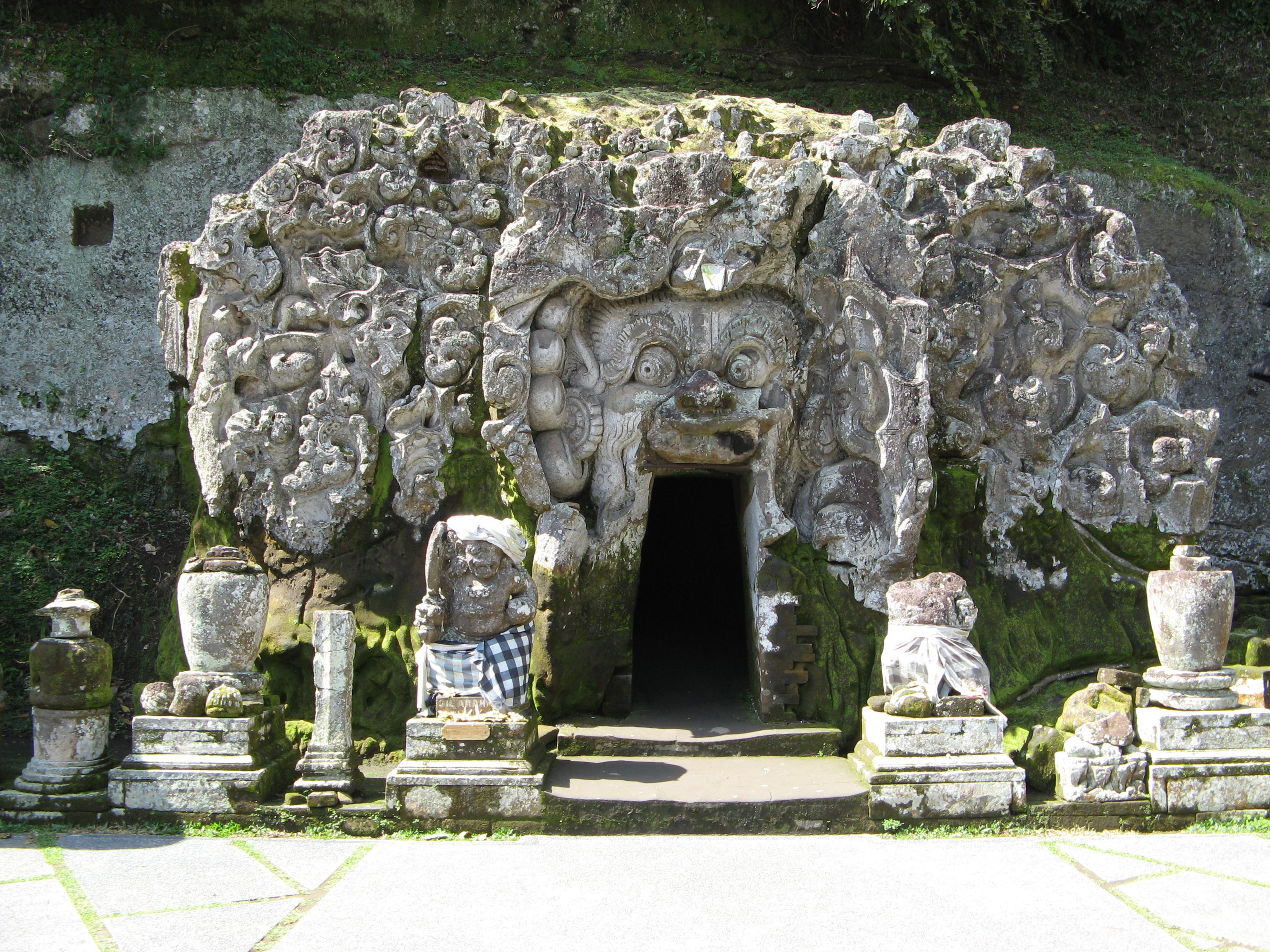 Rangda Cave Bali