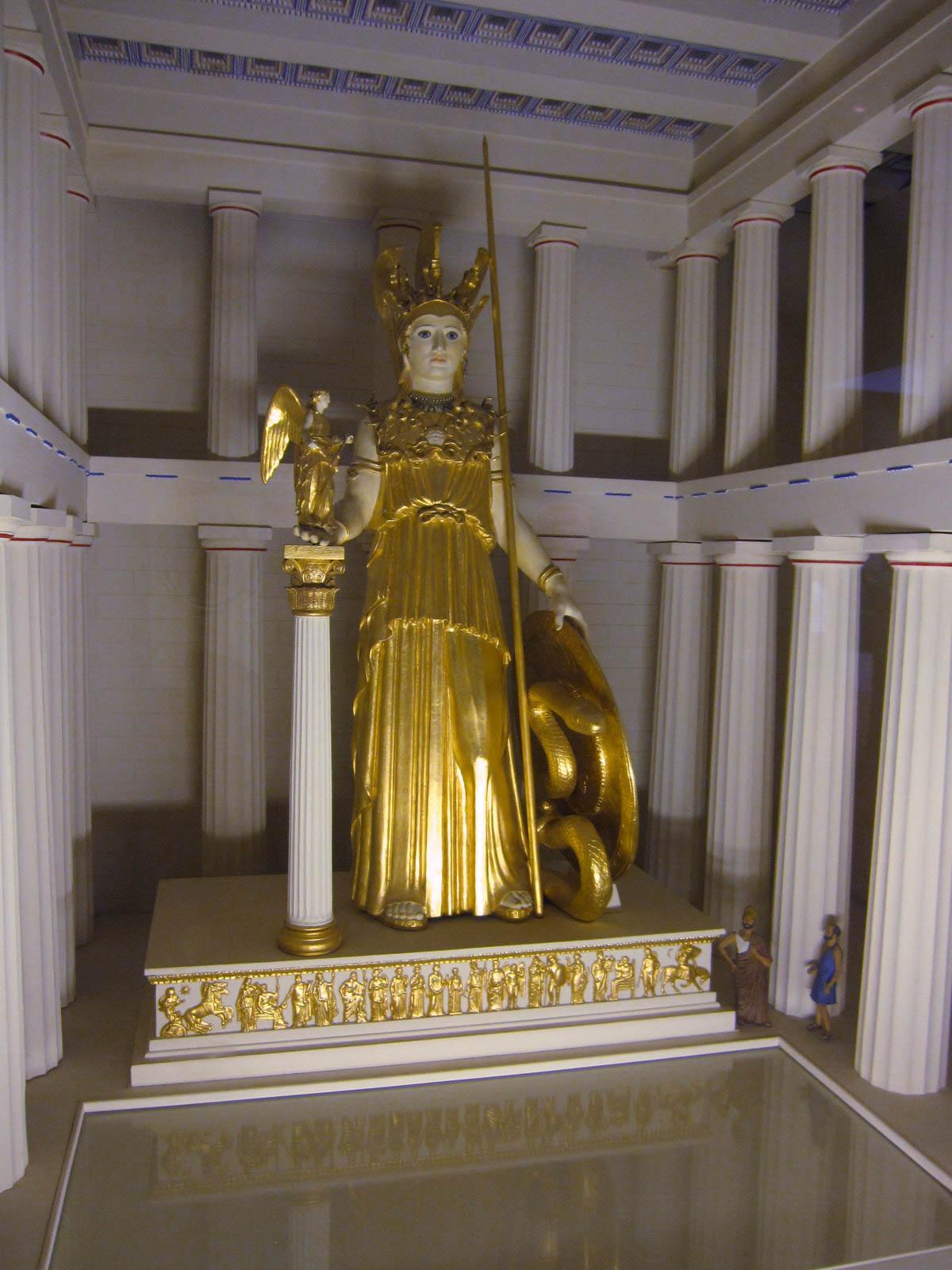Афина парфенон статуя