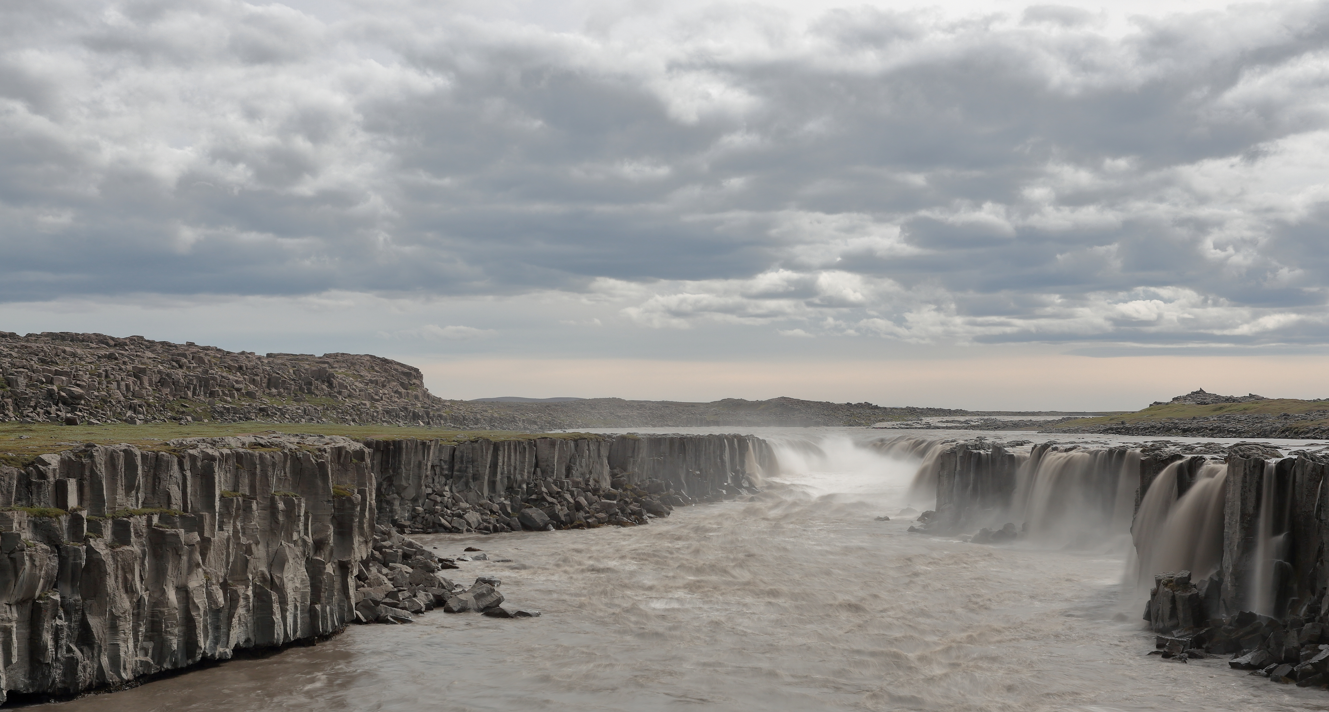 Selfoss, a waterfall in Iceland on the river Jökulsá á Fjöllum, as photographed by Martin Falbisoner.