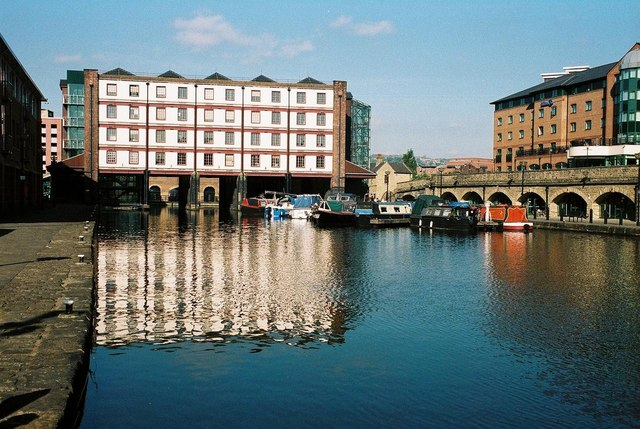 Sheffield, Victoria Quays - geograph.org.uk - 495358