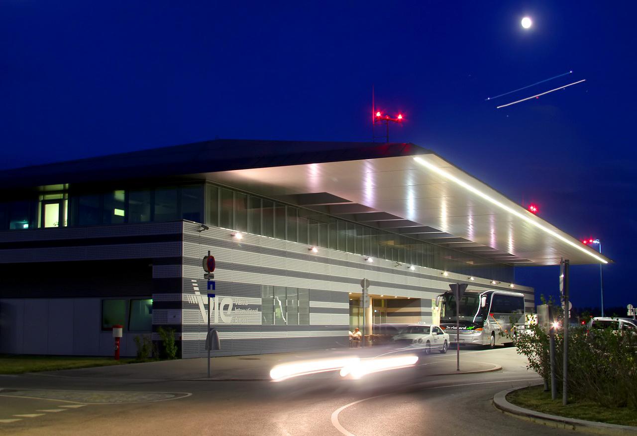 Vienna Airport To Renaibance Wien Hotel