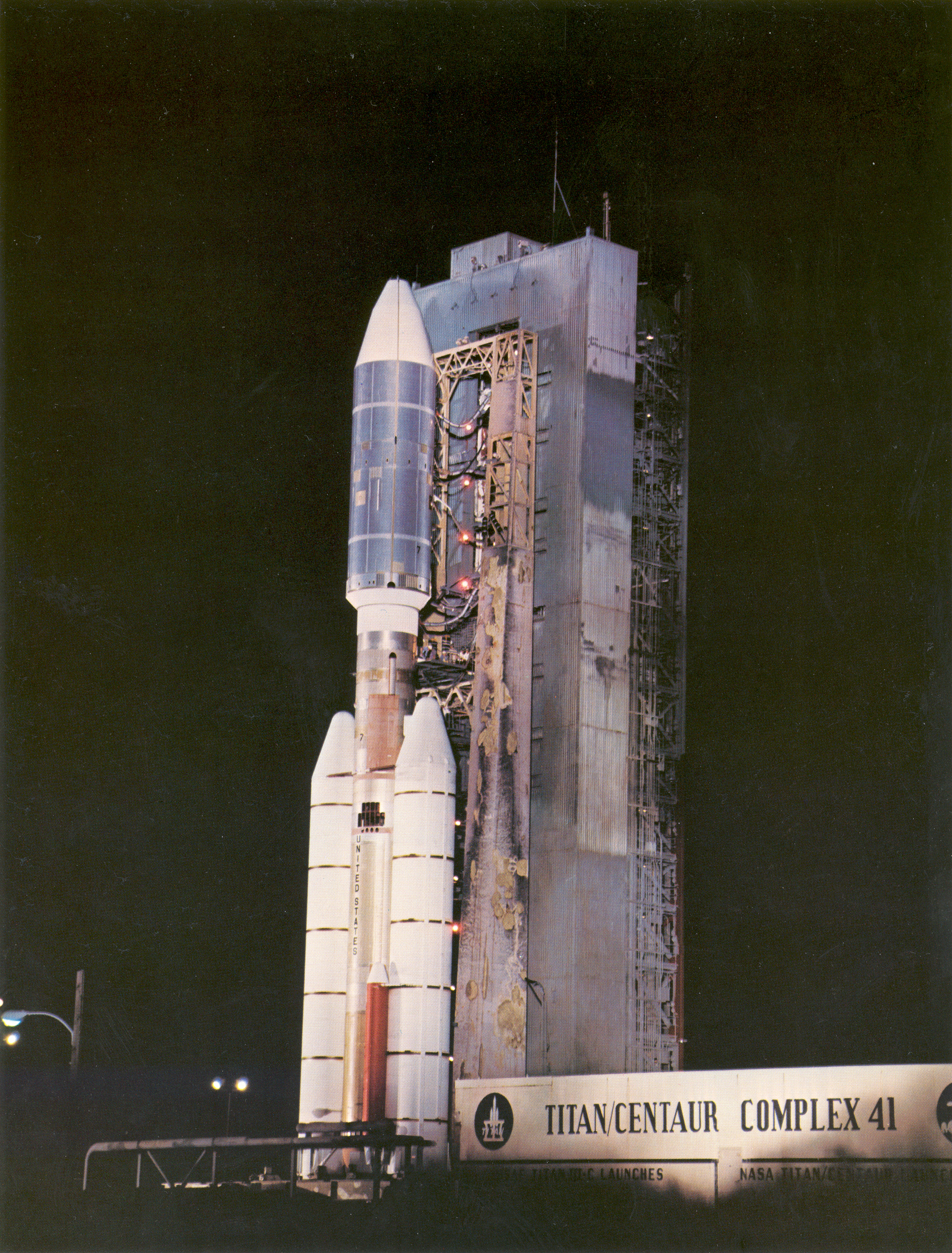 rocket that launched voyager 2 - photo #8