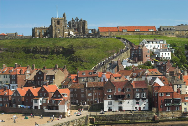 File:Whitby - geograph.org.uk - 661437.jpg