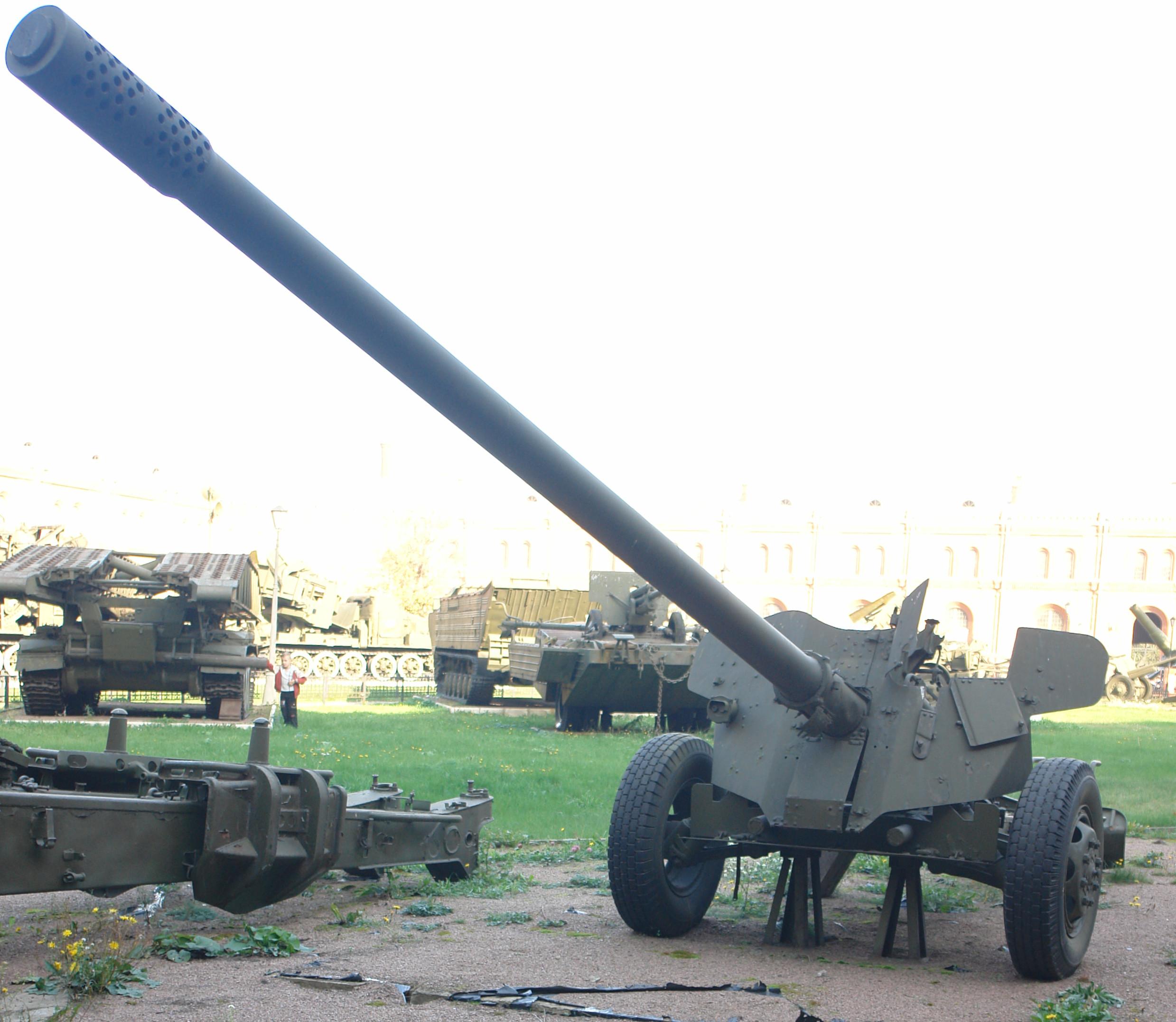 100-мм противотанковая пушка МТ-12 (2).jpg