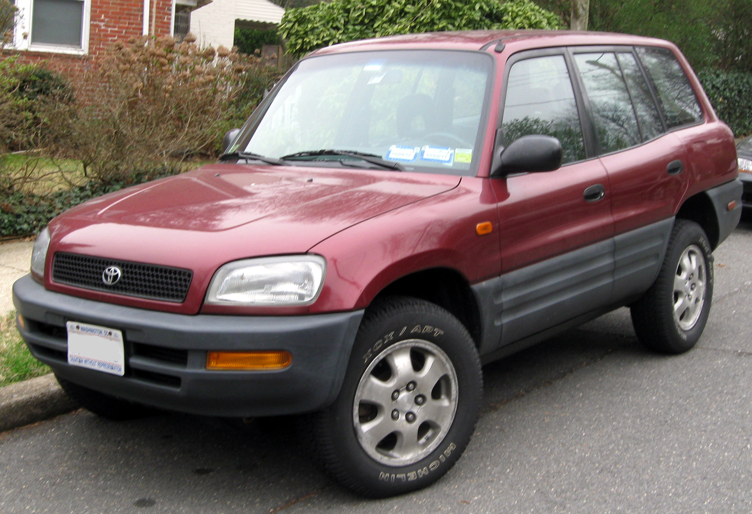 File1996 1997 toyota rav4 four door 03 16 2012g wikimedia file1996 1997 toyota rav4 four door 03 16 sciox Choice Image
