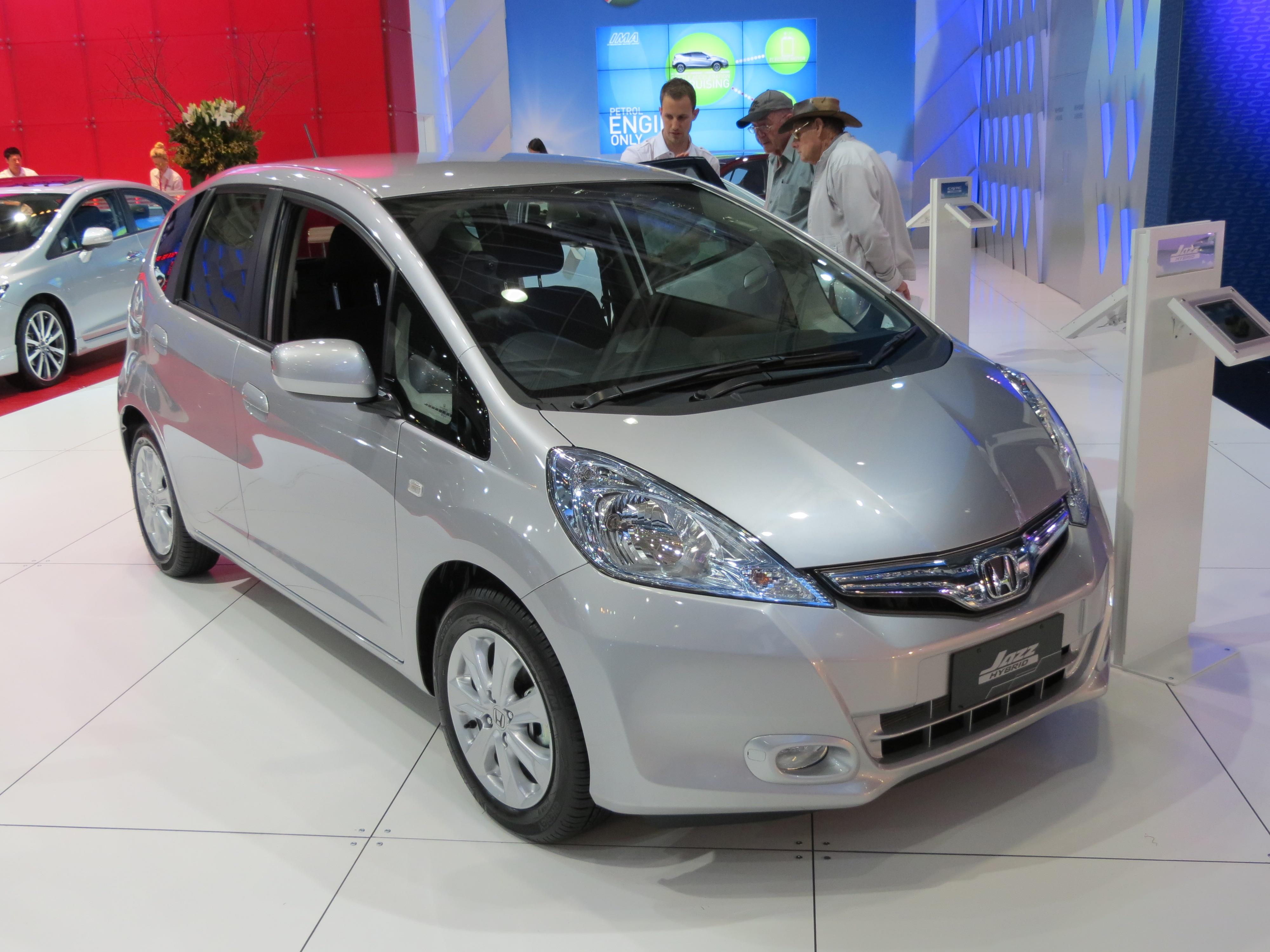 File2012 Honda Jazz Ge Hybrid Hatchback 2012 10 26 01jpg