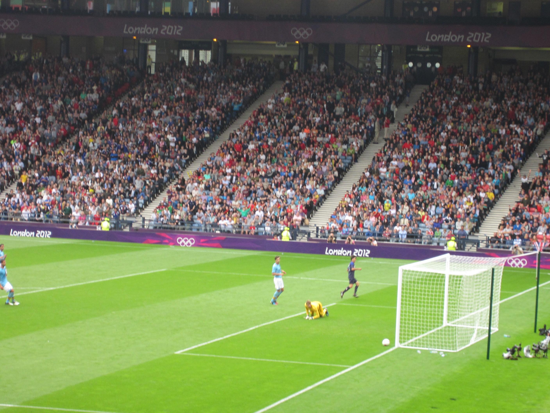 [تصویر:  2012_Olympic_Football_-_Spain_v_Japan_(2).jpg]