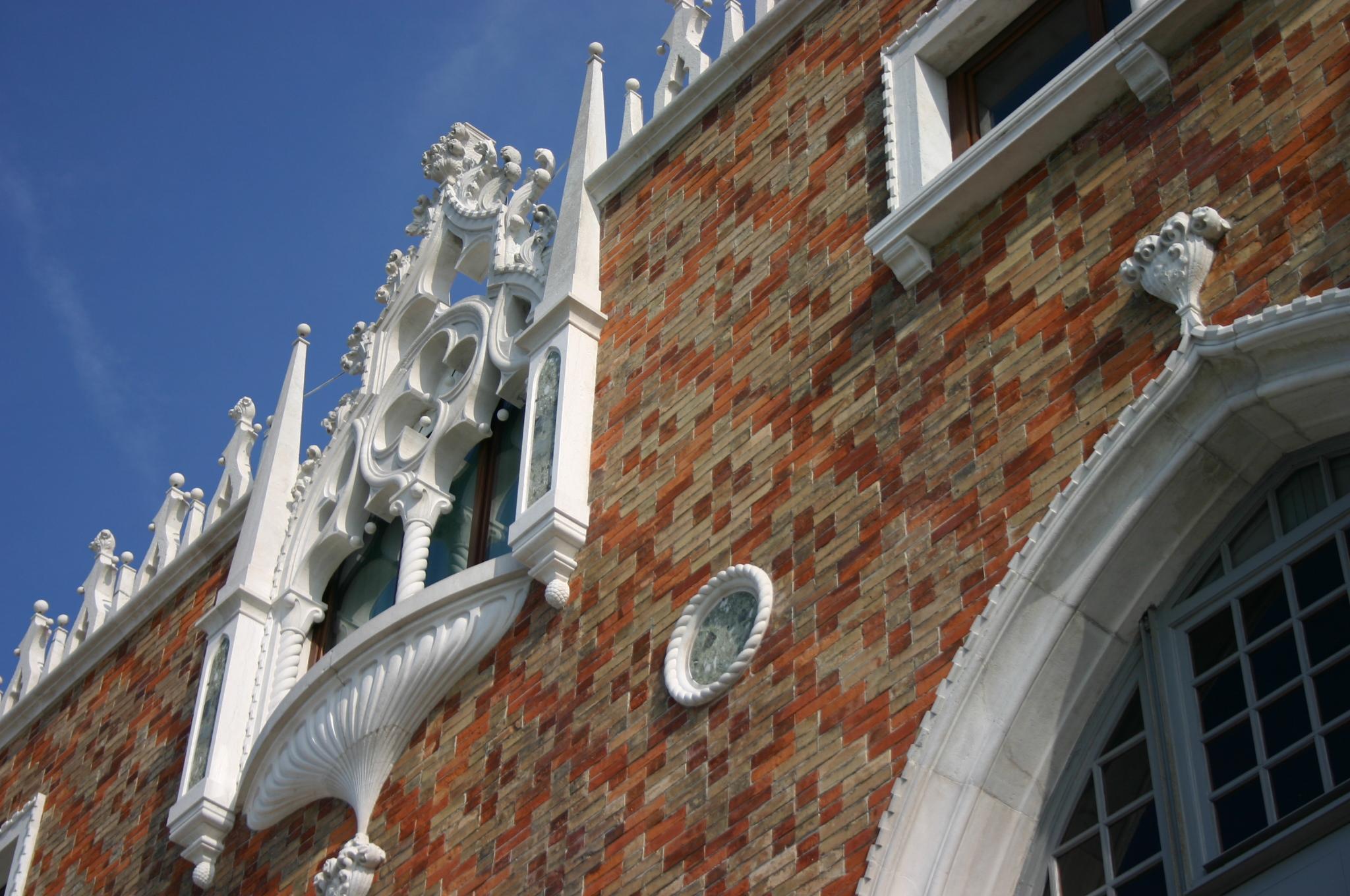 File 5817 venezia giudecca mario de maria casa dei for Casa revival gotica