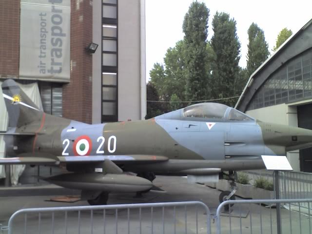 Aerei Da Caccia Milano : File aereo da caccia museo della scieza e tecnica