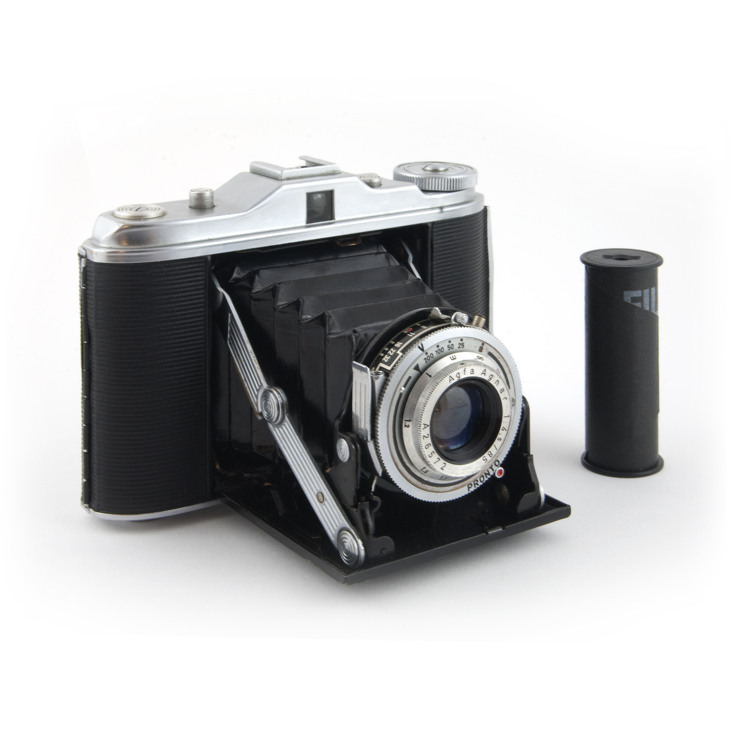 history of camera Love the 35mm camera as much as we do in the post we look at its history,  including the invention, rise and decline of the original compact camera.