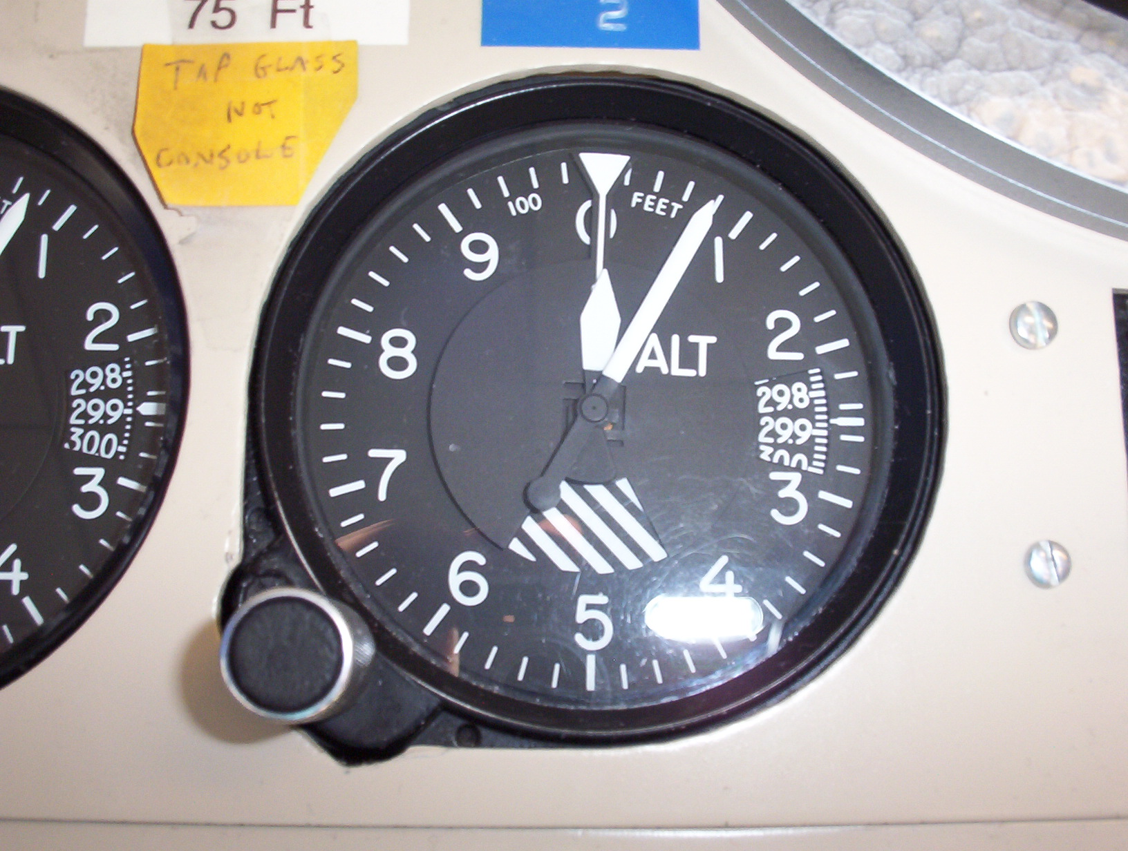 Aircraft altimeter.JPG