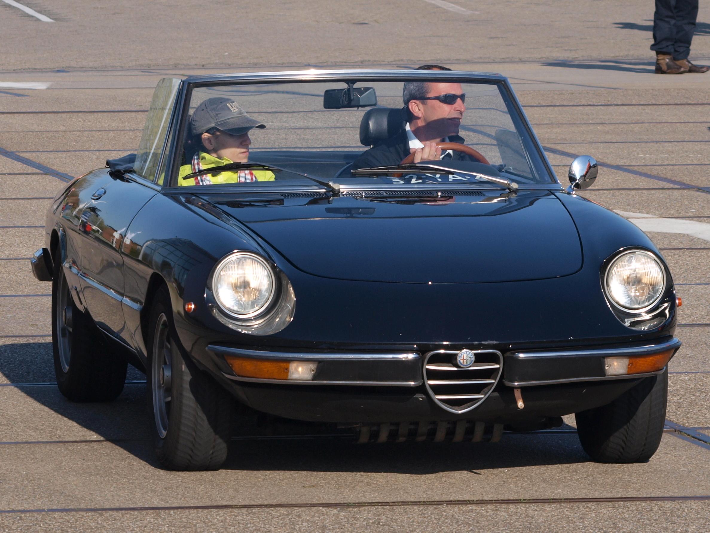 FileAlfa Romeo 2000 SPIDER VELOCE 1973 Dutch licecence