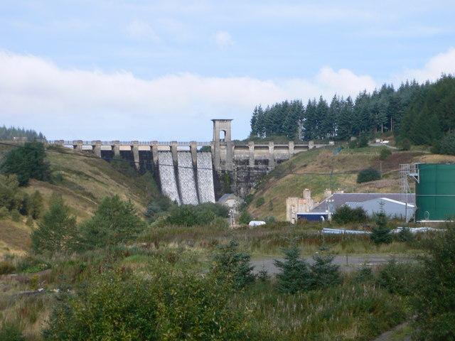 Alwen Reservoir dam - geograph.org.uk - 962047