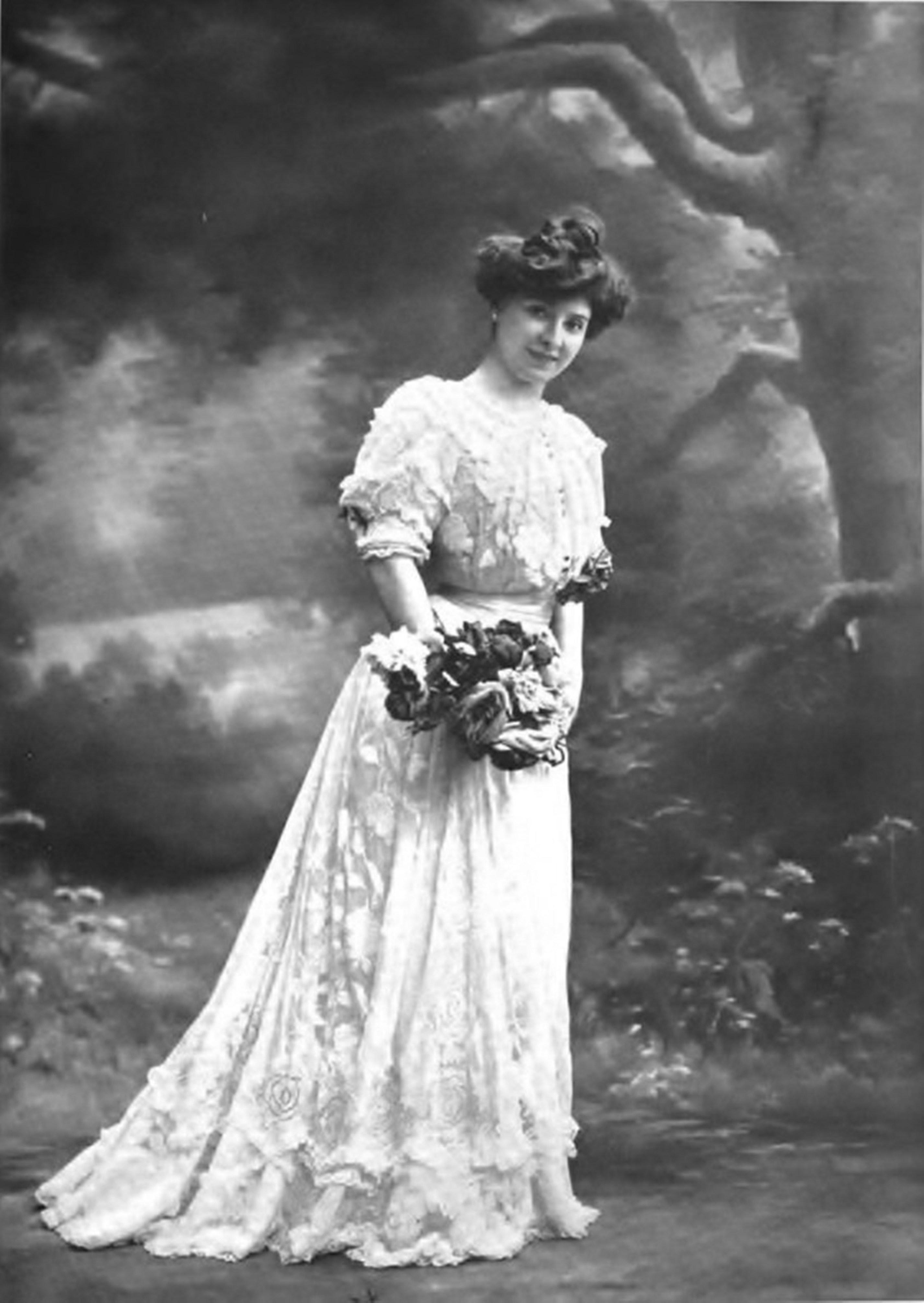 Les Moineaux De La Mariée file:amélie diéterle au théâtre (1905) dans « cœur de