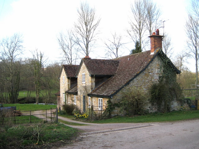 An estate cottage - Forde Abbey - geograph.org.uk - 1204158