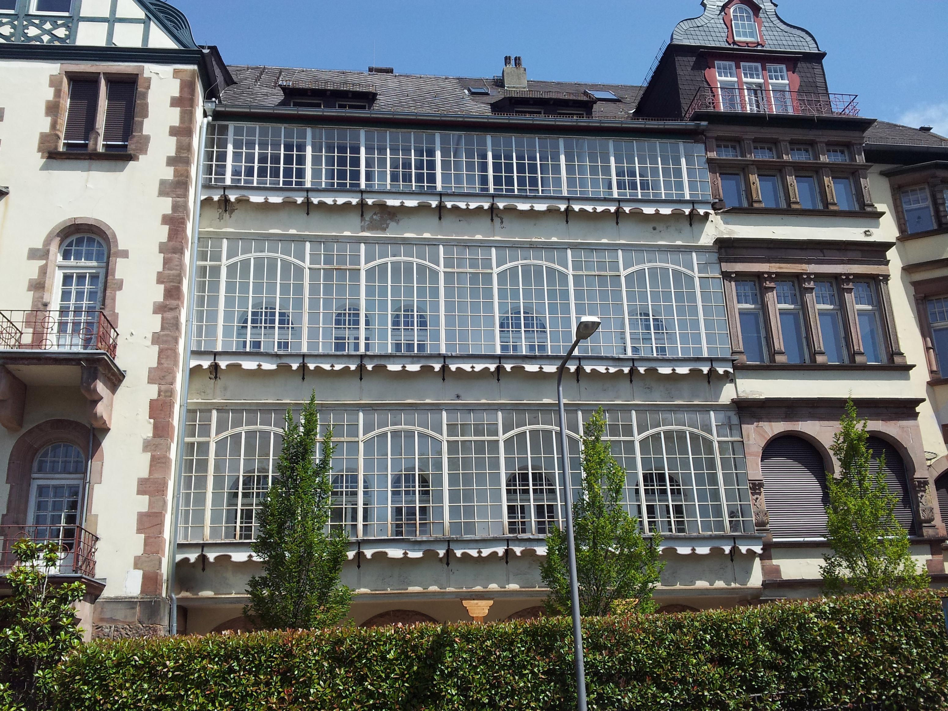 Datei Balkon Verglasung Wiesbaden Jpg Wikipedia
