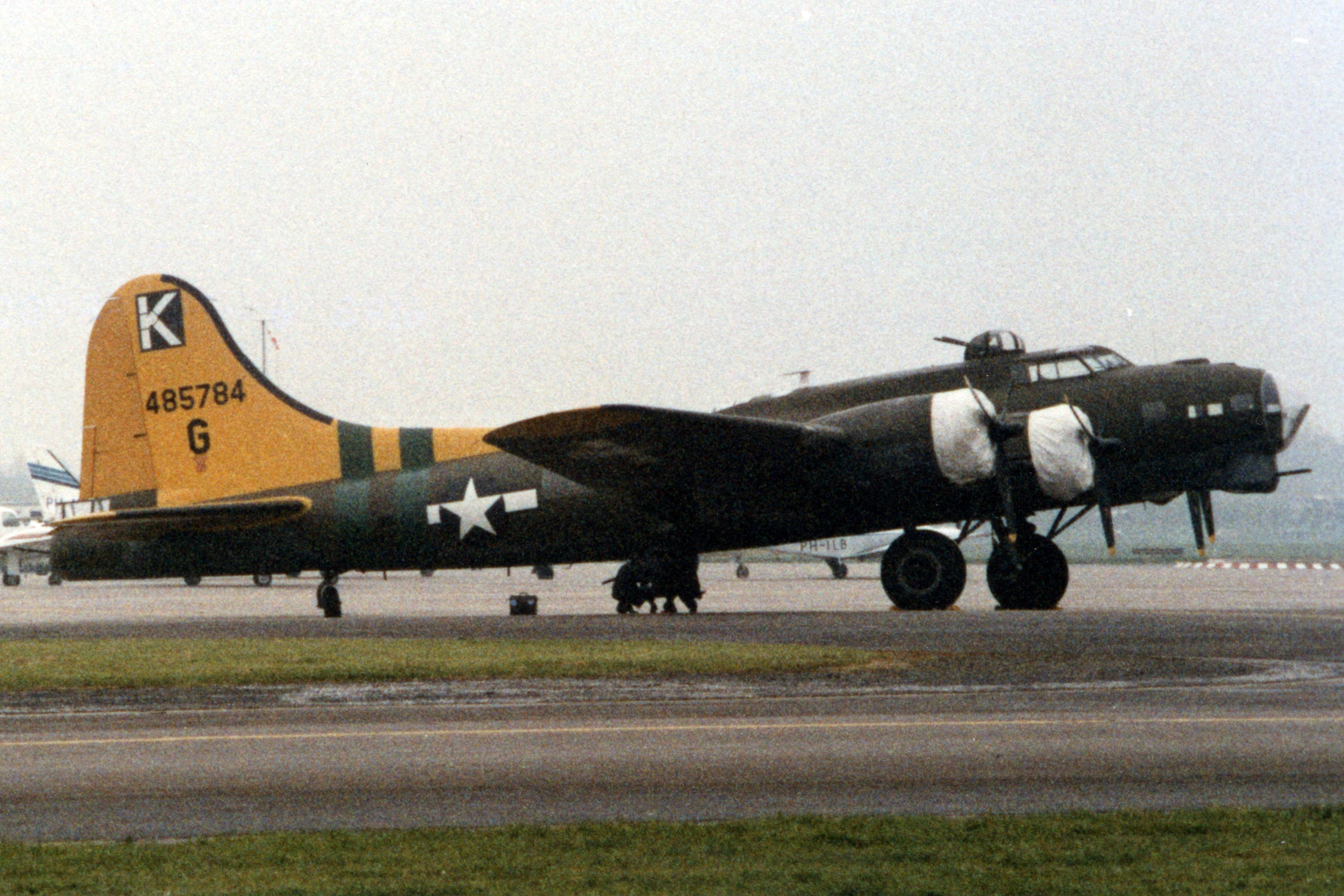 List of surviving Boeing B-17 Flying Fortresses - Wikipedia, the ...