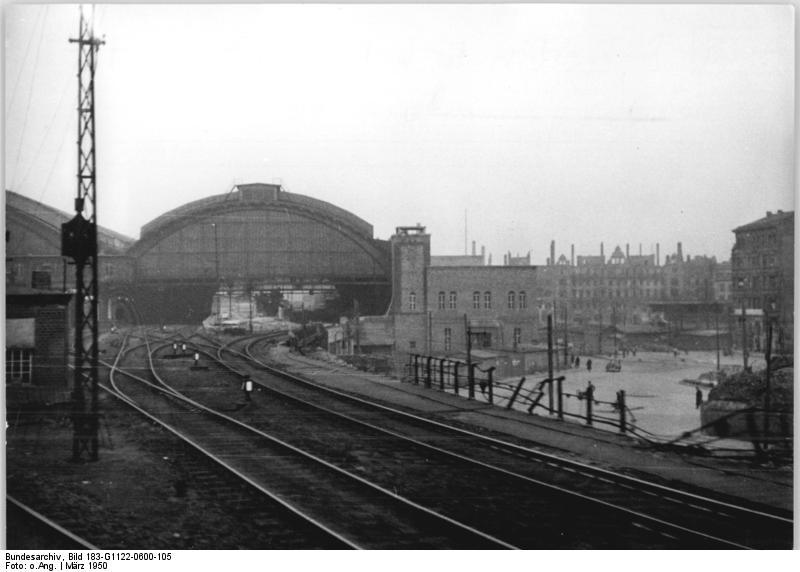 Bundesarchiv Bild 183-G1122-0600-105, Berlin, Ostbahnhof (Schlesischer Bahnhof).jpg