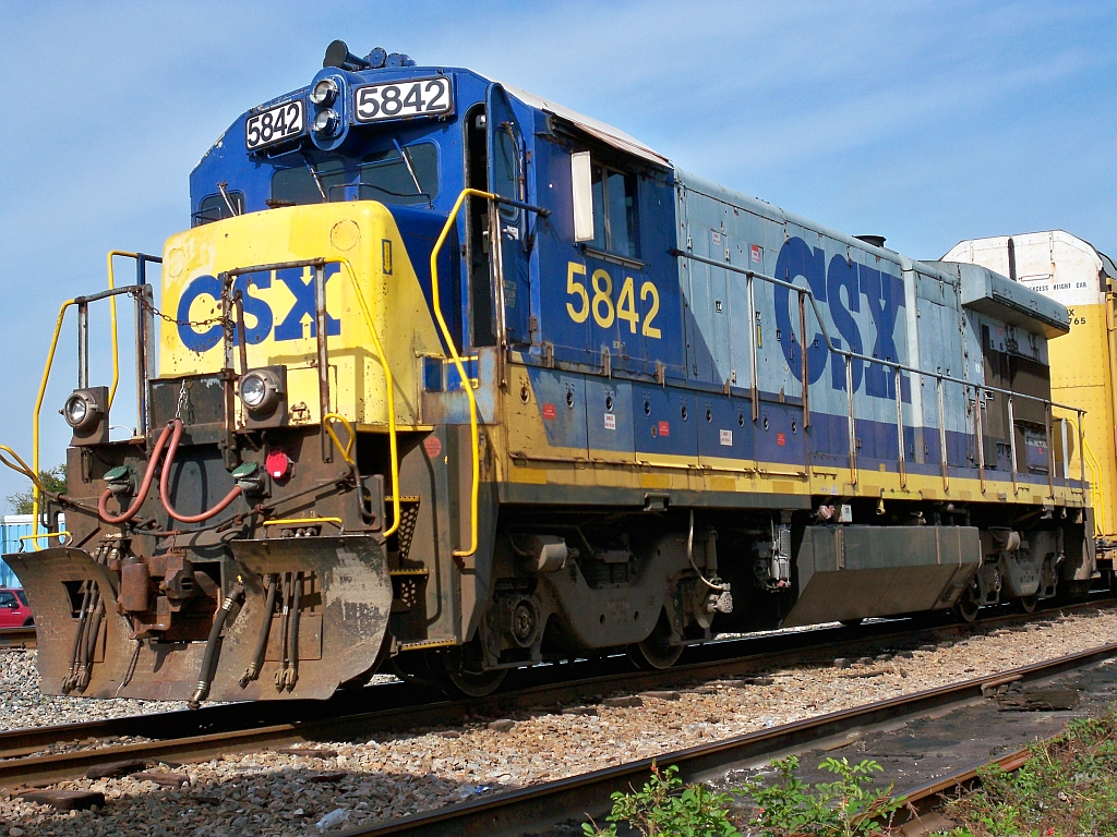 The ge b36 7 is a 4 axle diesel electric locomotive built by ge transportation systems between 1980 and 1985 222 examples of this locomotive were