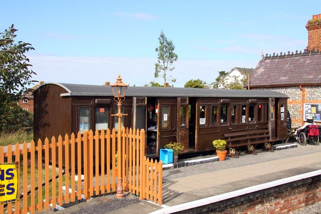 File:Cafe at Chinnor Station - geograph.org.uk - 1498816.jpg