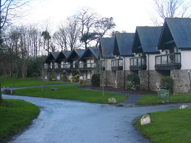 File:Clowance Estate at Praze-an-Beeble - geograph.org.uk - 31988.jpg