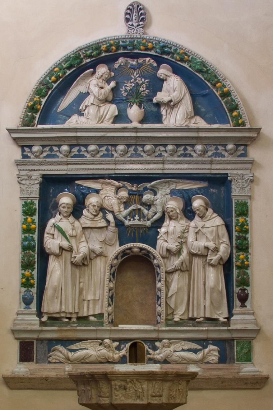 Della Robbia Altare Gigli.jpg
