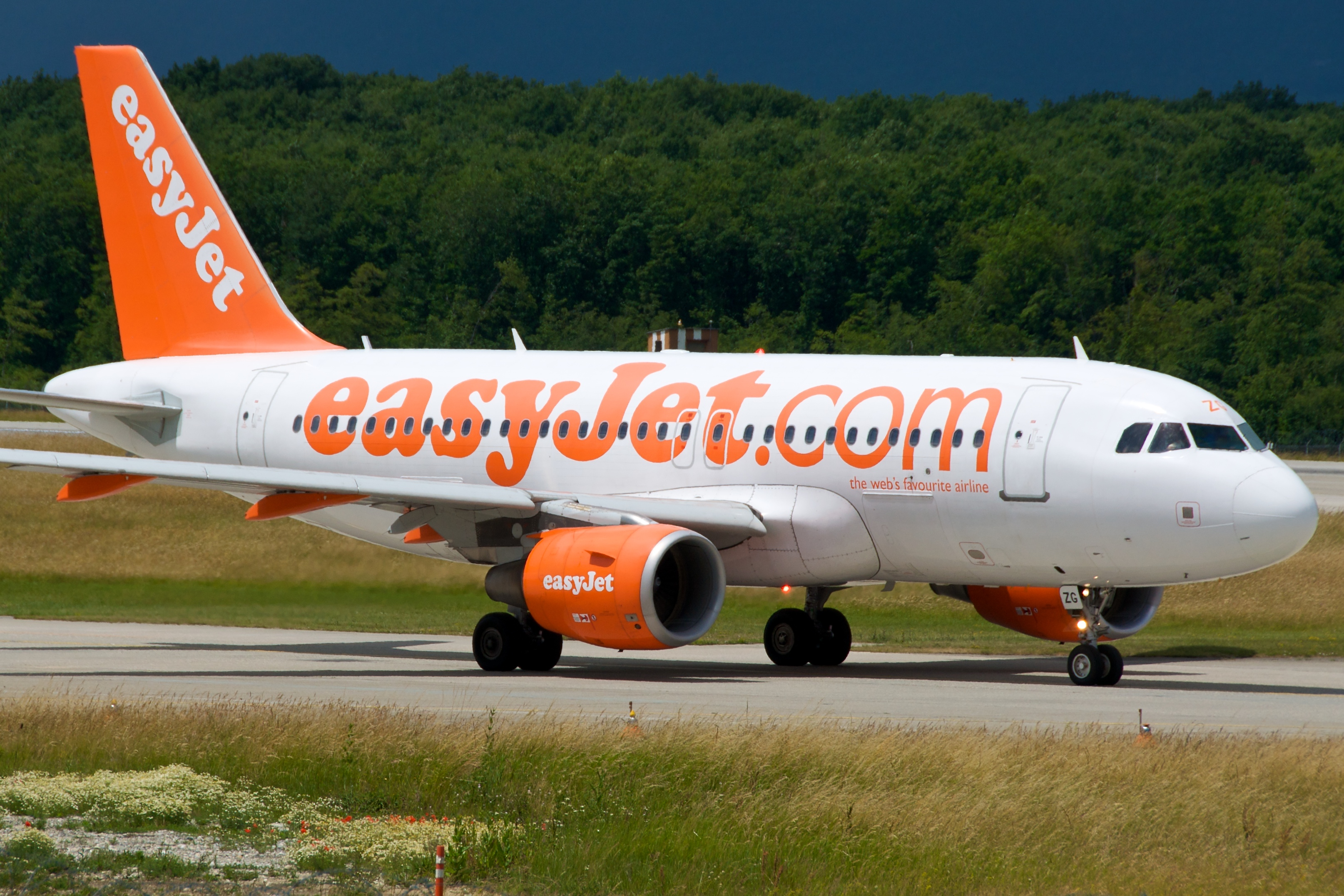 easyjet a319 - photo #48