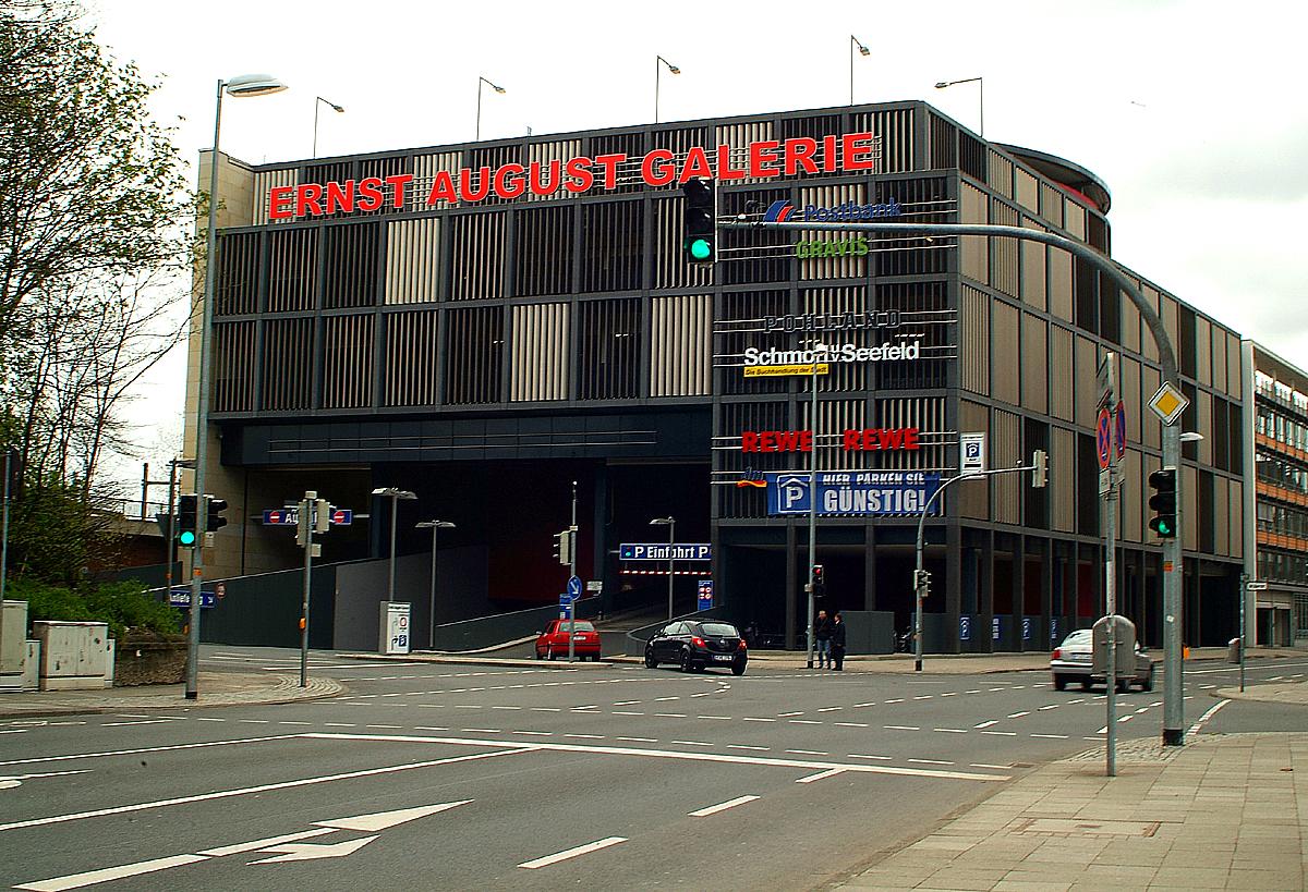 Dateieinfahrt Parkhaus Ernst August Galerie Hannover Herschelstraße