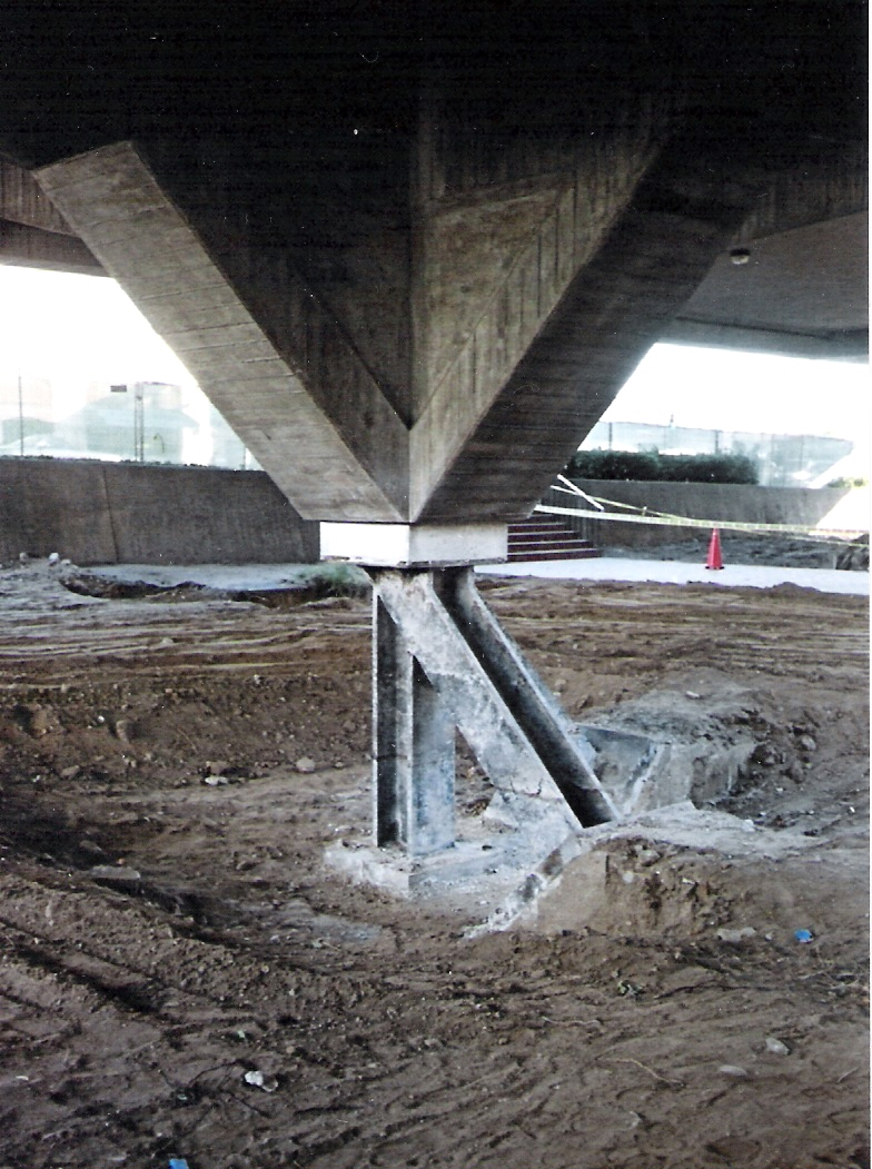 File:Elevated Building Foundation.jpg