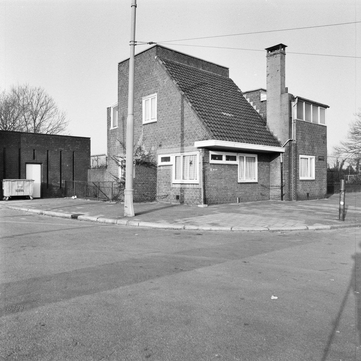Olympisch stadion noordelijke dienstwoning in amsterdam monument - Expressionistische architectuur ...