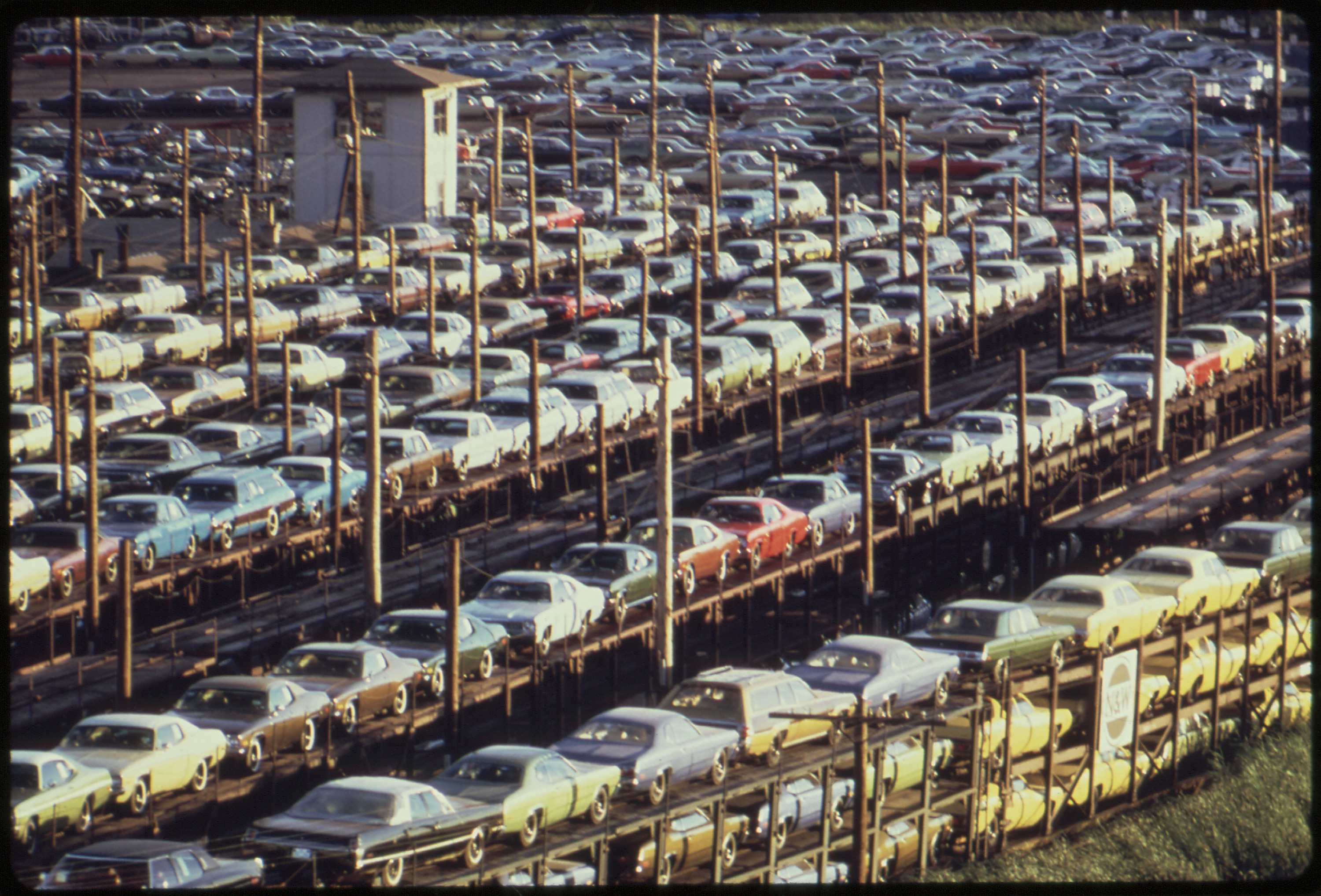 File Fob Detroit New Cars Are Loaded Onto Railroad Cars At