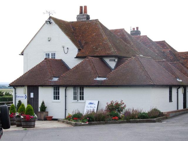 Ferry Inn, Harty - geograph.org.uk - 1407283