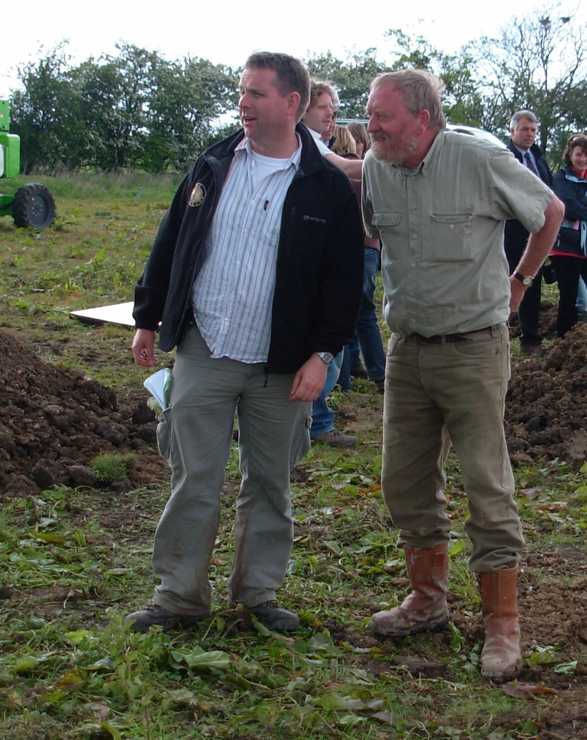 Pryor (right) discusses the excavation during the filming of a 2007 dig for ''[[Time Team]]'' with series editor Michael Douglas (left).