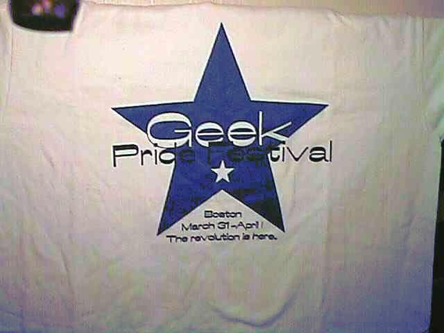 Archivo:Geek pride festival t-shirt.png