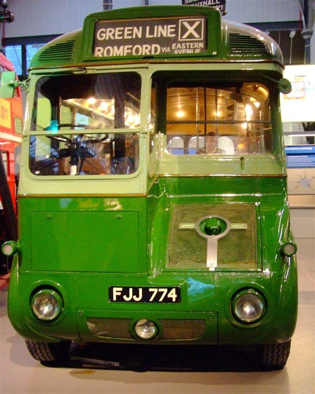 Greenline_preserved_bus_FJJ_774.jpg