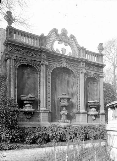 File h tel monaco d coration en treillage dans le for Architecture de jardin