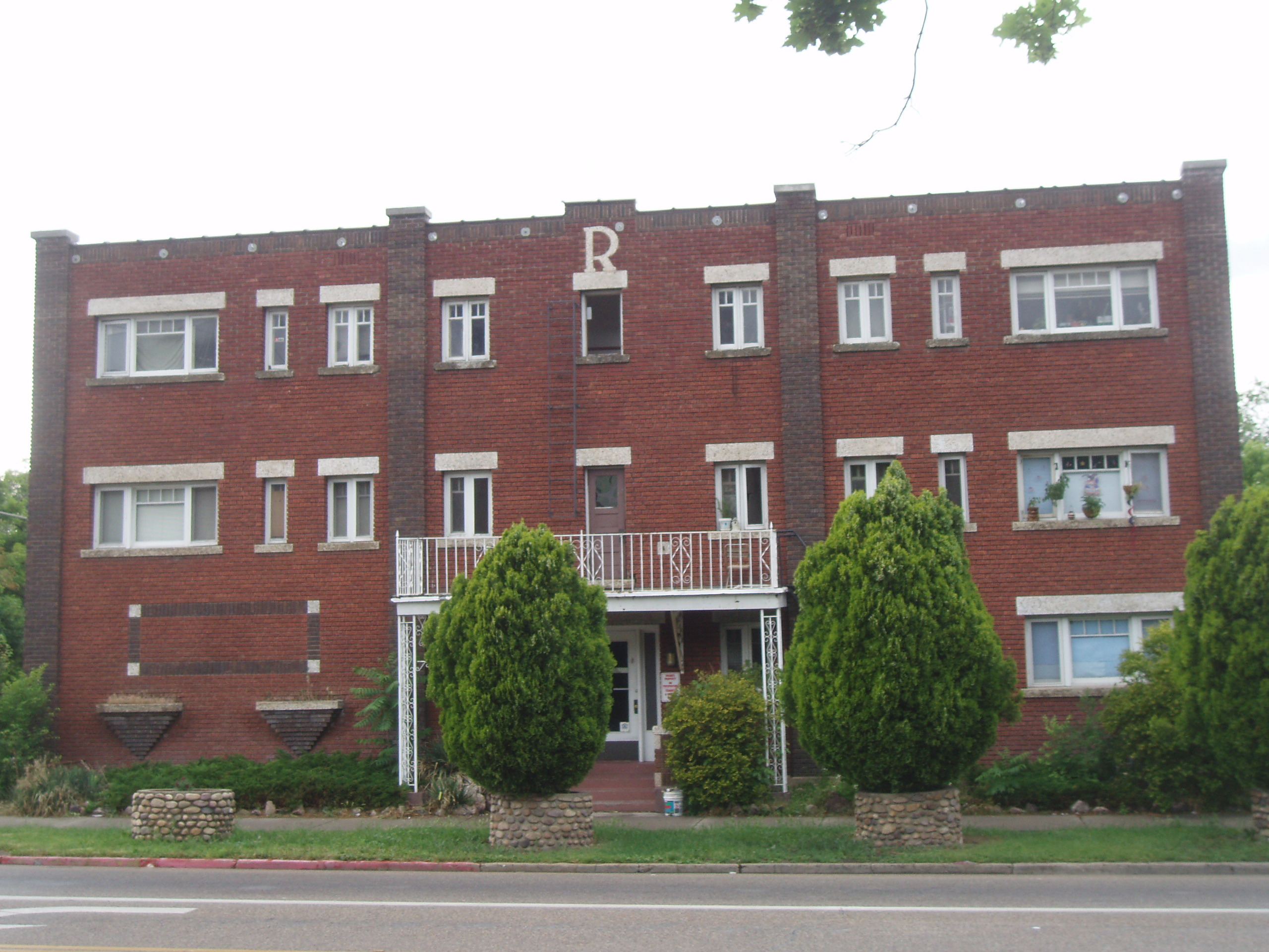 File:Hillcrest Apartments Ogden Utah.jpeg - Wikimedia Commons