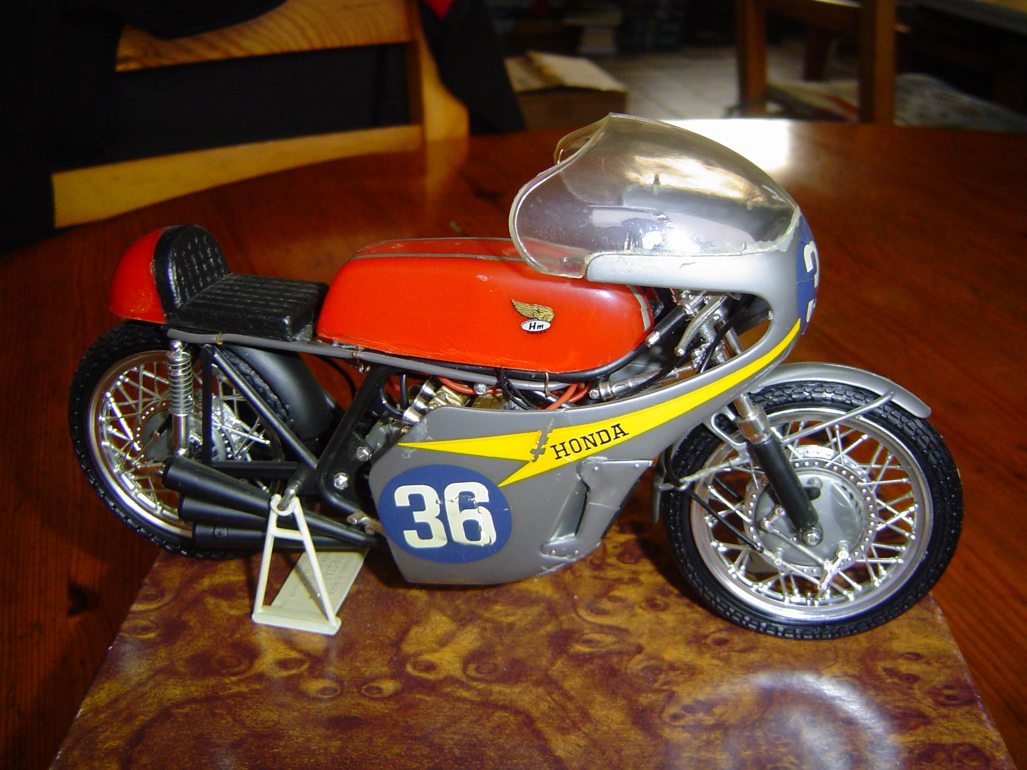 File:Honda RC 174.JPG - Wikimedia Commons