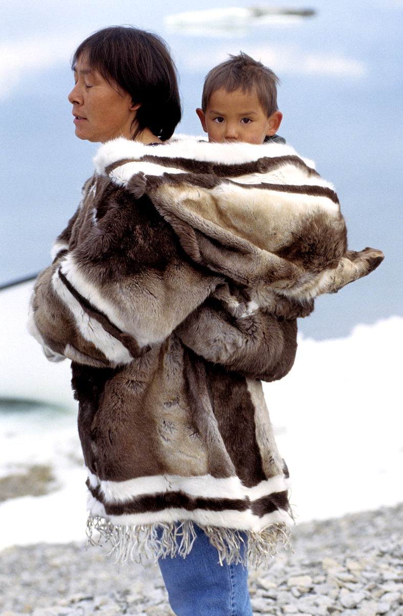 File:Iglulik Clothing 2 1999-07-18.jpg - Wikimedia Commons