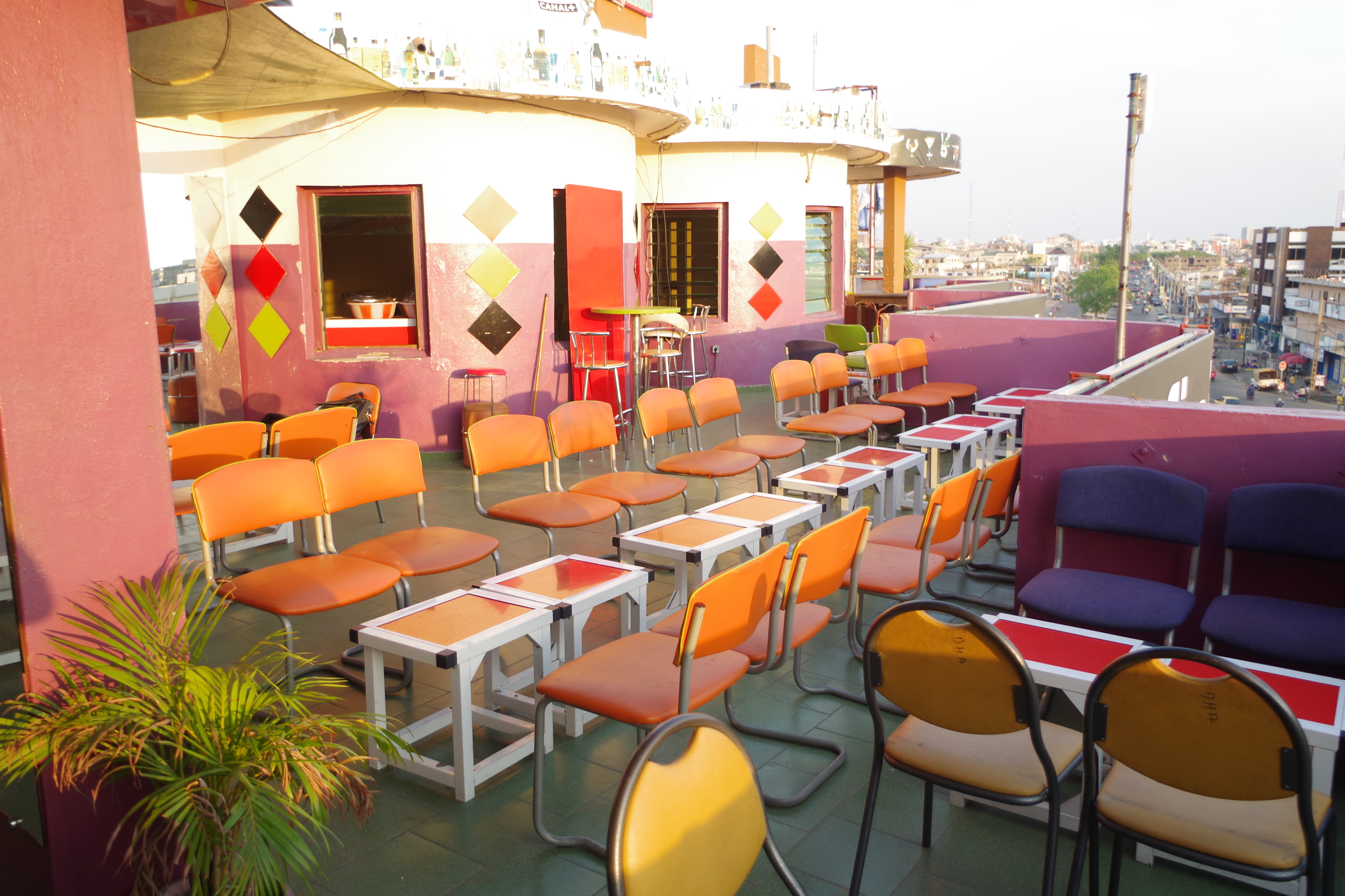 Interieur D Un Bar file:intérieur d'un bar restaurant a cotonou au bénin