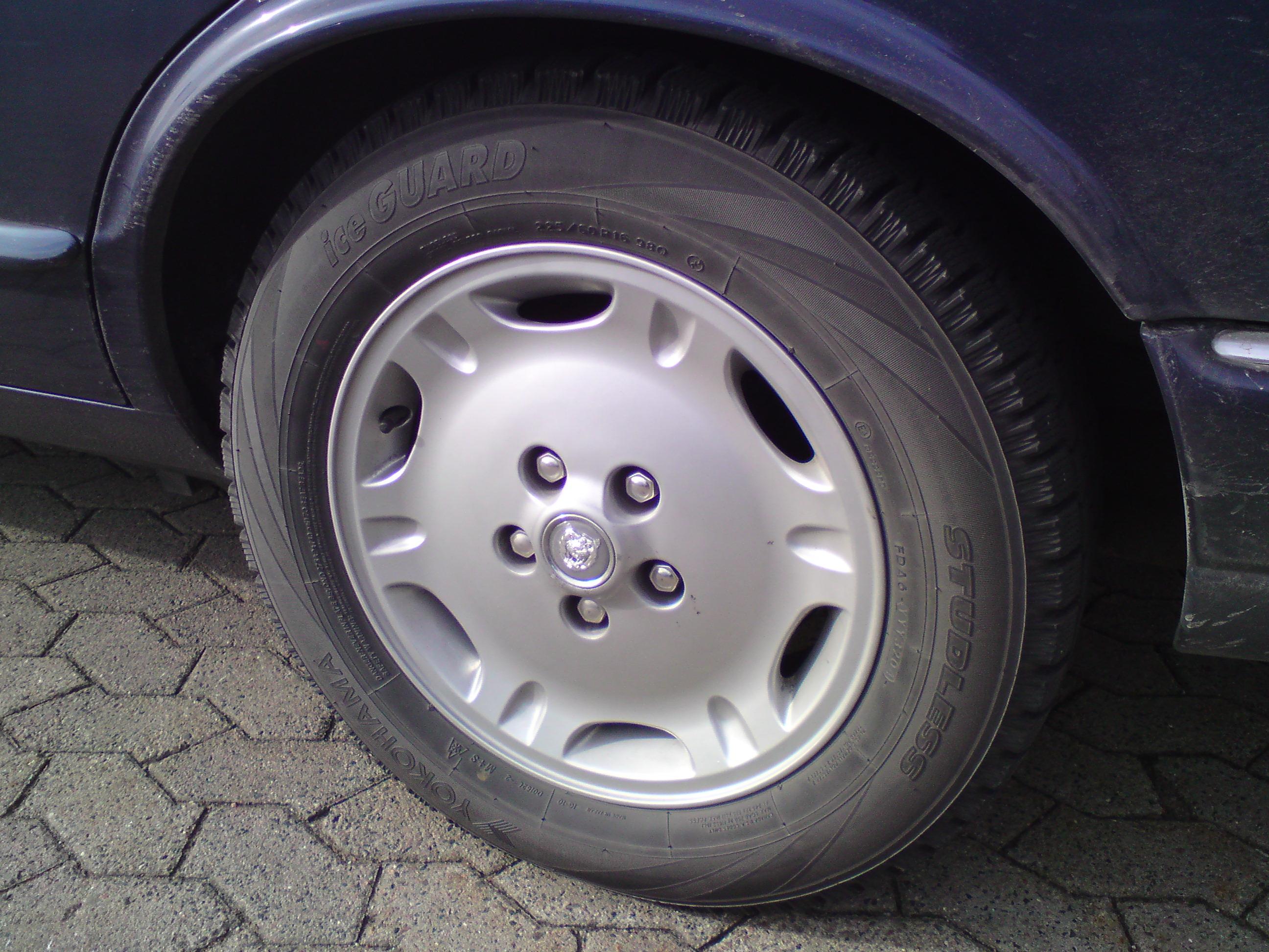 File Jaguar Xj Dimple 7x16 Quot Silver Painted Alloy Wheel