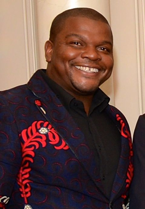 The 41-year old son of father (?) and mother(?) Kehinde Wiley in 2018 photo. Kehinde Wiley earned a  million dollar salary - leaving the net worth at 5 million in 2018