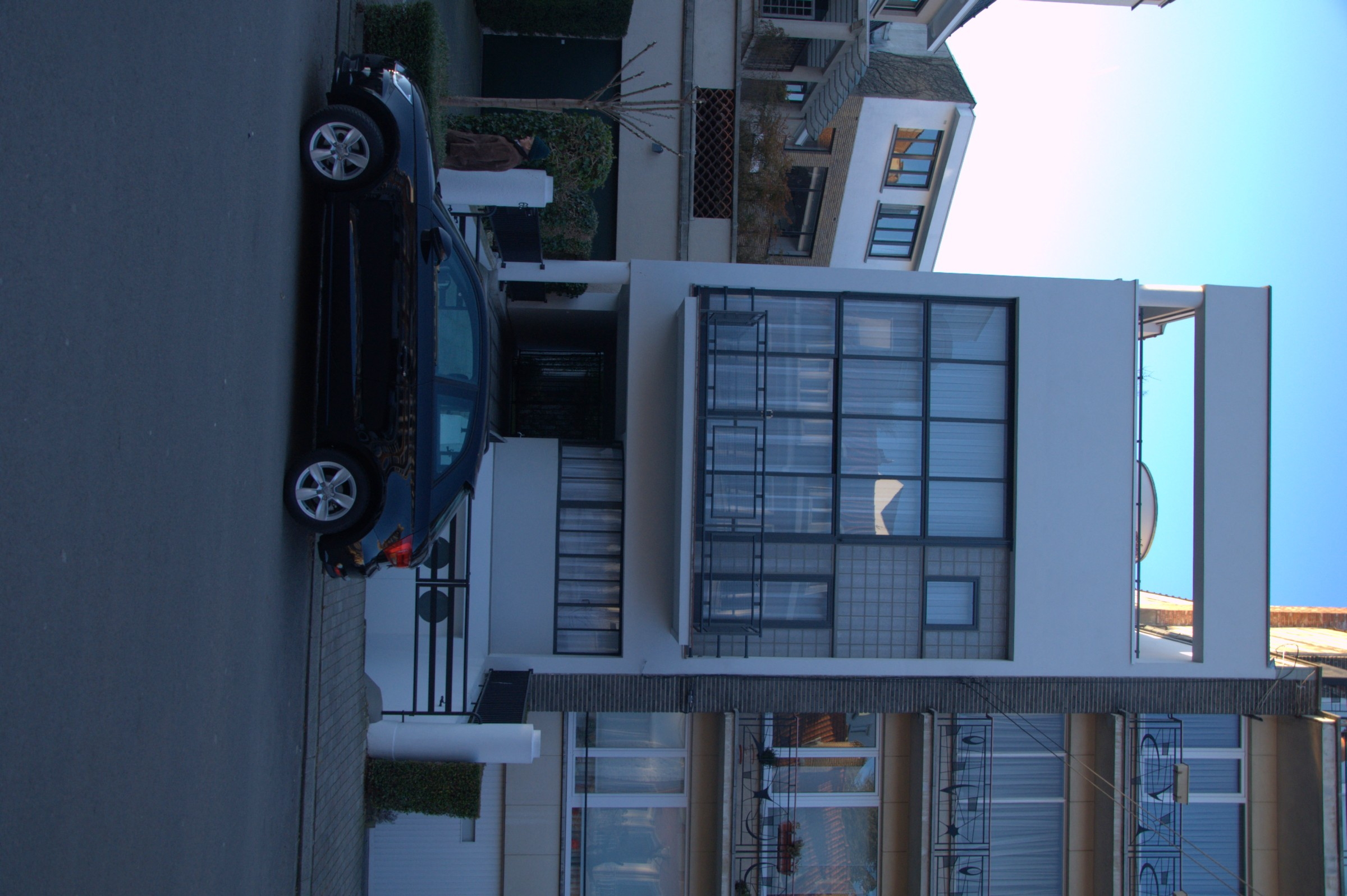 file la maison de verre rue jules lejeune wikimedia commons. Black Bedroom Furniture Sets. Home Design Ideas